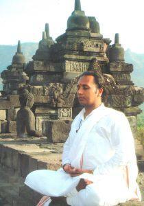 *** доктор наук в области Йоги и Йога-терапии – Лакшминараян Джоши dr-laxminarayan-joshi ***